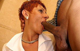 This old slut loves in get executed on the toilet