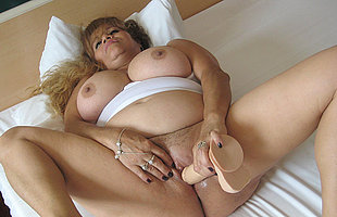 This big titted mature slut loves playing with themselves
