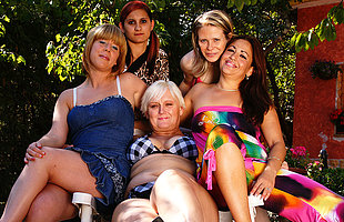 Five old and young lesbians go wet and wild
