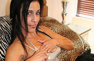 Kinky mama getting mortal physically wet and wild