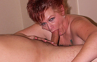 This horny mama loves getting douche from behind