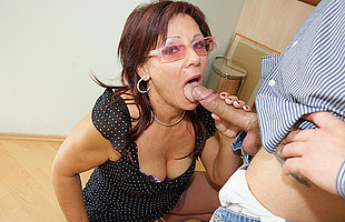 Horny mature battleaxe getting a warm creampie