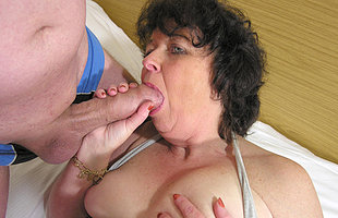 This horny mama loves to get fucked by one guys
