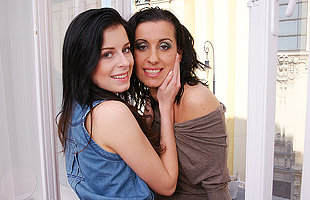 Hot housewife having coitus with a very cute lesbian teen