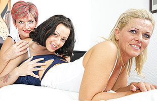 Three old with along to addition of young lesbians making out on along to bed