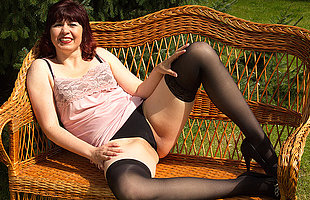 This naughty housewife loves to play in the garden