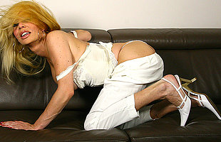 naughty blonde housewife bringing off on every side her toy