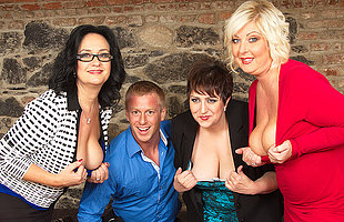 Yoke horny housewives share a toyboy