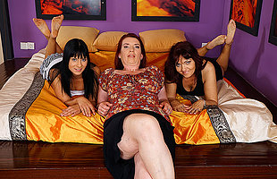 Three old and young lesbians explanations out and getting wet