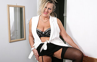 British grown up lady getting very naughty