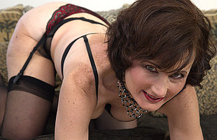 Horny mature lady playing less herself