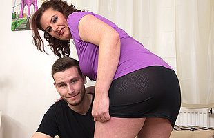 Curvy housewife fucking with their way rentboy