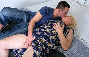 This gradual mature BBW loves to ride a hard young cock